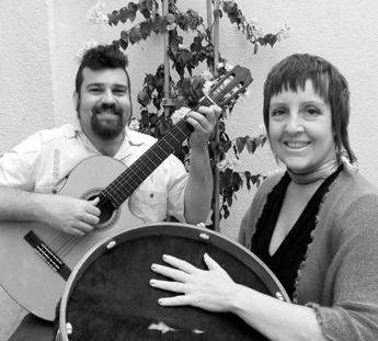 Fotos do Arado Velho e música latinapresentes no Sarau da Alice
